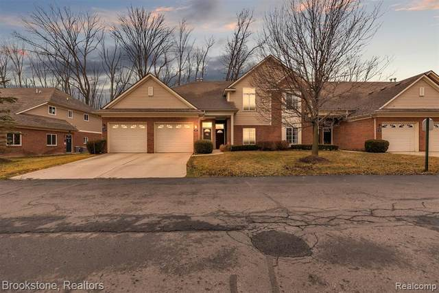 3677 Eagle Creek Drive, Shelby Twp, MI 48317 (#2210003967) :: The Merrie Johnson Team