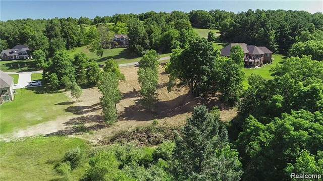 2 Grand Summit Drive, Tyrone Twp, MI 48430 (#2210005552) :: The Alex Nugent Team | Real Estate One