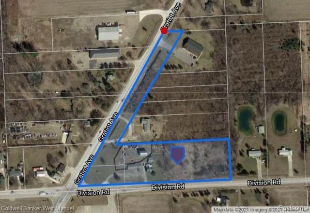 10228 Division Road, Columbus Twp, MI 48063 (#2210005567) :: BestMichiganHouses.com