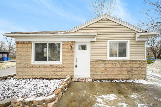 5648 Katherine Street, Dearborn Heights, MI 48125 (#2210005674) :: The Mulvihill Group