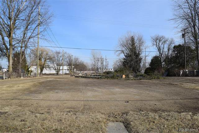 3441 Main Street, Marlette, MI 48453 (#2210006401) :: Real Estate For A CAUSE
