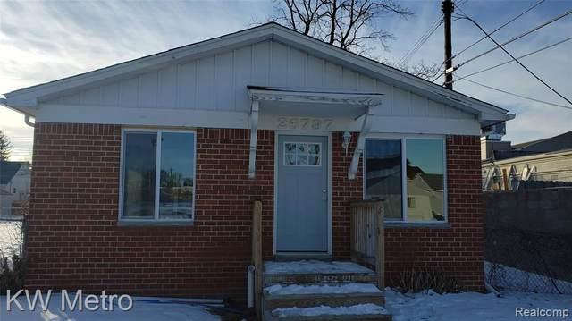 26797 Alger Boulevard, Madison Heights, MI 48071 (#2210006561) :: RE/MAX Nexus