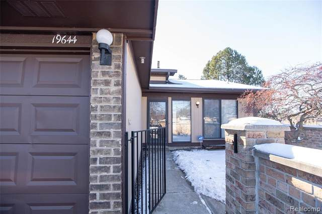 19644 E Villa Court, Southfield, MI 48076 (#2210006588) :: GK Real Estate Team
