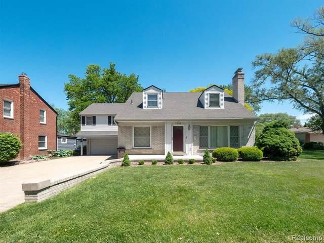 1200 Hampton Road, Grosse Pointe Woods, MI 48236 (#2210007133) :: GK Real Estate Team