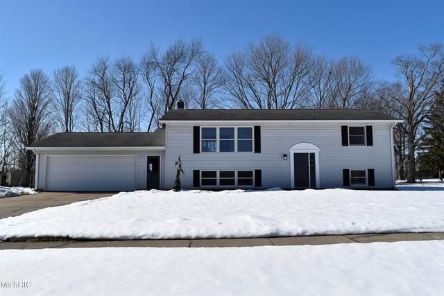 910 Vicker Street, Vicksburg Vlg, MI 49097 (#68021003994) :: The Alex Nugent Team | Real Estate One