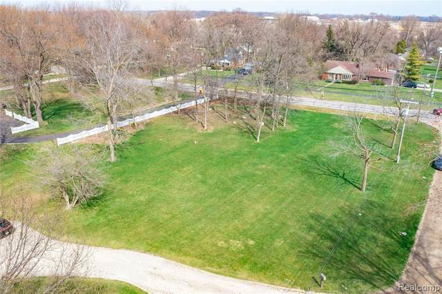 VAC Southpointe, Grosse Ile Twp, MI 48138 (#2210009151) :: Real Estate For A CAUSE