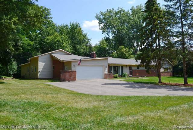 2851 Franklin Road, Bloomfield Twp, MI 48302 (#2210009200) :: The Alex Nugent Team | Real Estate One