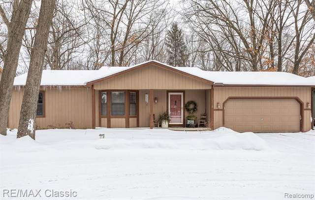 3178 Welch Road, Commerce Twp, MI 48390 (MLS #2210010009) :: The Toth Team