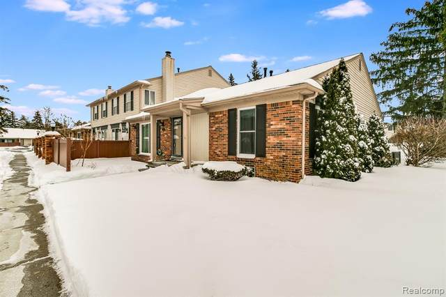 41101 Southwind Drive, Canton Twp, MI 48188 (#2210010388) :: GK Real Estate Team
