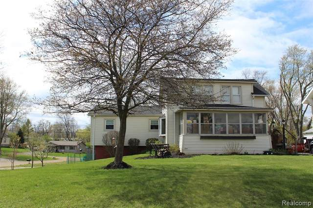 2331 Edinburgh Road, Waterford Twp, MI 48328 (#2210010526) :: Real Estate For A CAUSE