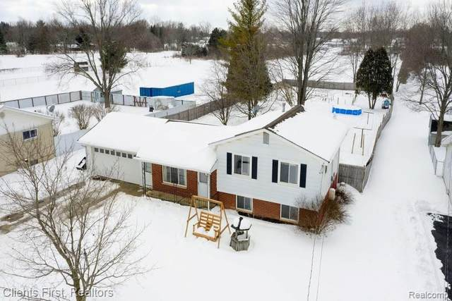 3152 S Belsay Road, Burton, MI 48519 (#2210011345) :: Real Estate For A CAUSE