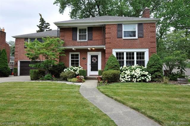 559 Pemberton, Grosse Pointe Park, MI 48230 (#2210011407) :: GK Real Estate Team