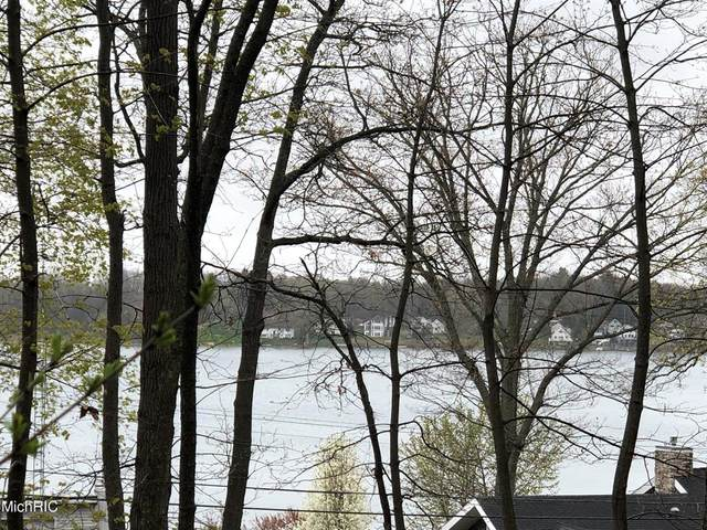 12219 N Sherman Lake Drive, Ross Twp, MI 49012 (#66021005303) :: Real Estate For A CAUSE