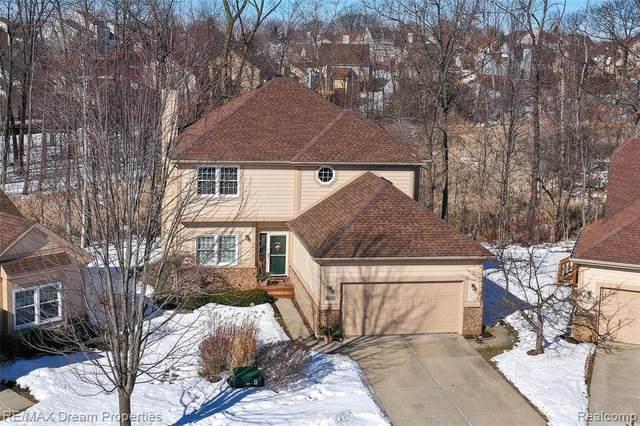30717 Sandalwood Circle, Novi, MI 48377 (#2210011701) :: Duneske Real Estate Advisors