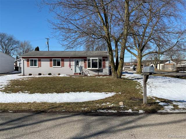 47585 Greenview Road, Shelby Twp, MI 48317 (MLS #2210012434) :: The John Wentworth Group