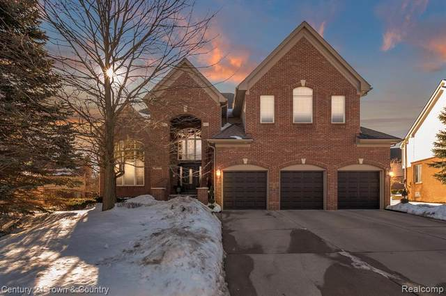 24389 Thatcher Drive, Novi, MI 48375 (#2210012657) :: Duneske Real Estate Advisors