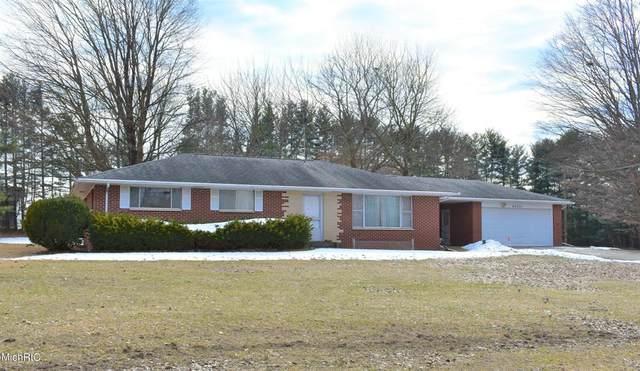 43231 Parkhurst Drive, Decatur Twp, MI 49045 (#69021005816) :: The Alex Nugent Team | Real Estate One