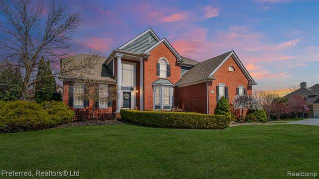 47226 Sunnybrook Lane, Novi, MI 48374 (#2210013064) :: Duneske Real Estate Advisors