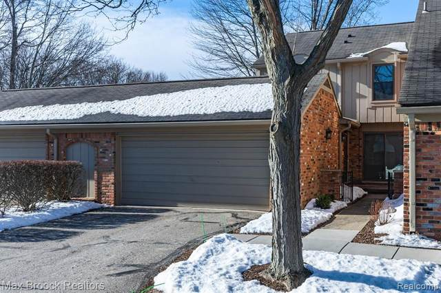 1808 Thomas Court, Rochester Hills, MI 48309 (#2210013214) :: The Mulvihill Group