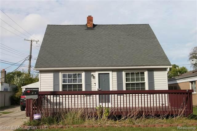 21515 Grand Lake Street, Saint Clair Shores, MI 48080 (#2210013279) :: BestMichiganHouses.com