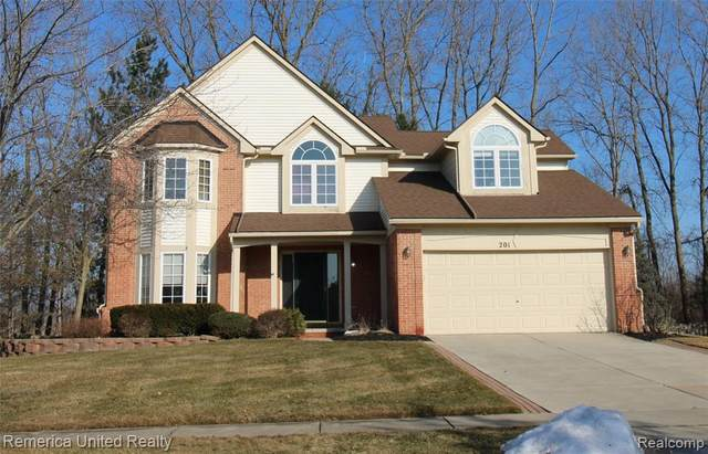 201 Columbia Drive, South Lyon, MI 48178 (#2210013658) :: The Mulvihill Group