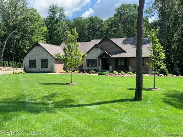 7123 Oak Ridge Court, Independence Twp, MI 48346 (#2210013697) :: Keller Williams West Bloomfield