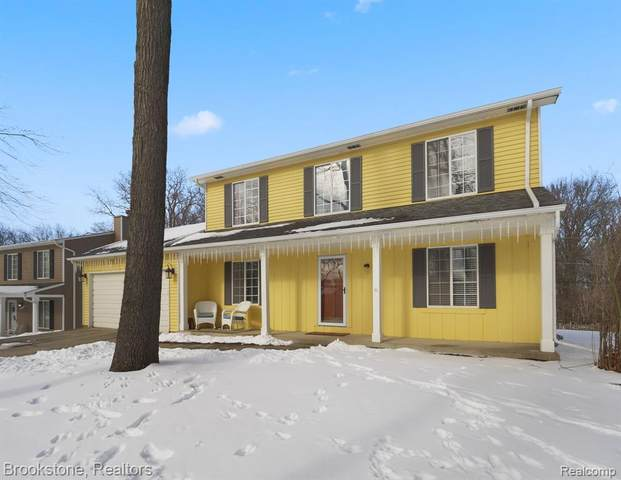 6540 Fieldview Avenue, West Bloomfield Twp, MI 48324 (MLS #2210014230) :: The John Wentworth Group