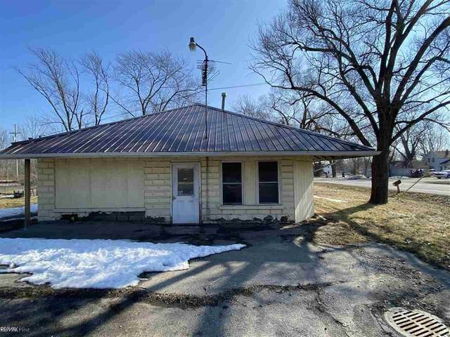 4992a Griswold, Kimball Twp, MI 48074 (#58050035743) :: NextHome Showcase