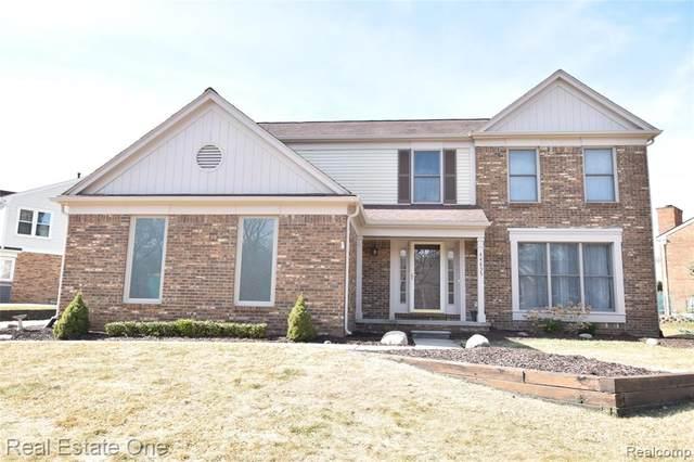 44835 Roundview Drive, Novi, MI 48375 (#2210015226) :: Duneske Real Estate Advisors