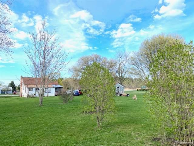 3199 Keewahdin Road, Fort Gratiot Twp, MI 48059 (#2210016512) :: GK Real Estate Team