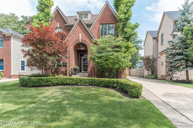 1869 Shipman Boulevard, Birmingham, MI 48009 (#2210018564) :: Real Estate For A CAUSE