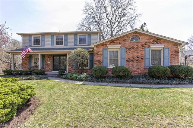 45251 Pinetree Drive, Plymouth Twp, MI 48170 (#2210019996) :: GK Real Estate Team