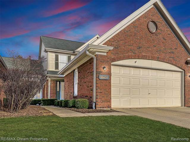 16420 Country Knoll Drive, Northville Twp, MI 48168 (#2210020181) :: NextHome Showcase