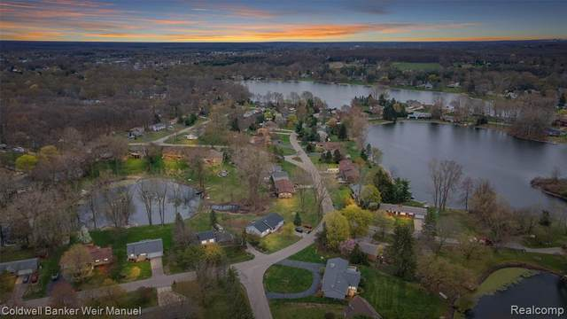 000 Strathcona, Highland Twp, MI 48357 (#2210020526) :: The Alex Nugent Team | Real Estate One