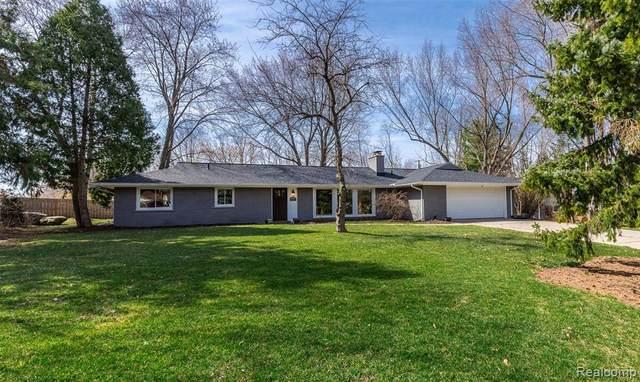 46925 S Chigwidden Drive, Northville, MI 48167 (#2210021266) :: Duneske Real Estate Advisors