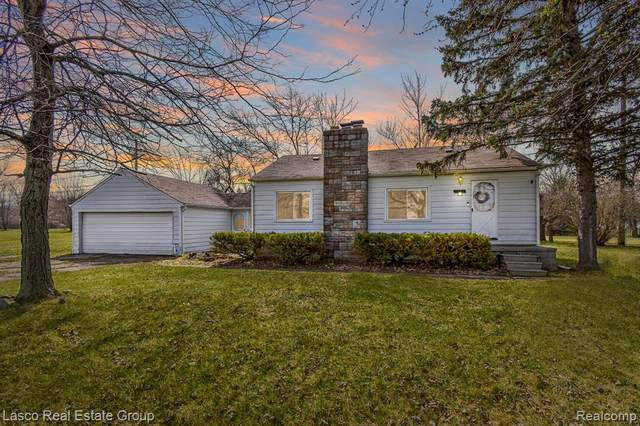2138 E Reid Road, Grand Blanc, MI 48439 (#2210021273) :: NextHome Showcase
