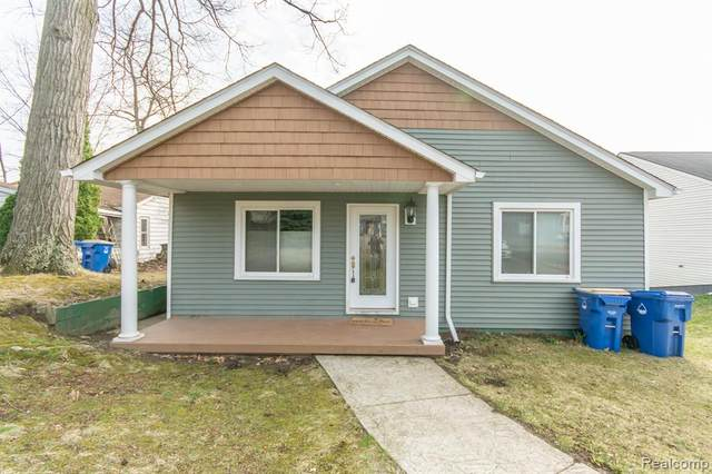 3879 Oak Knoll Road, Waterford Twp, MI 48328 (#2210021323) :: Real Estate For A CAUSE