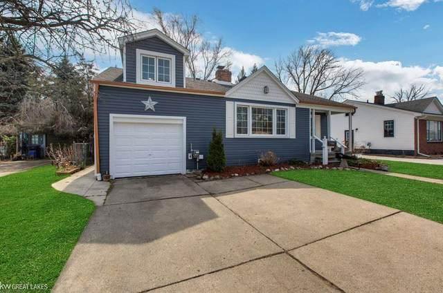 22000 Cedar St, Saint Clair Shores, MI 48081 (#58050037763) :: Real Estate For A CAUSE