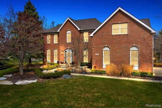 5458 Woodcreek Court, Independence Twp, MI 48348 (#2210021724) :: Real Estate For A CAUSE