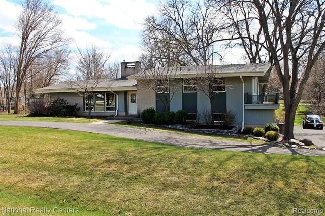 45201 Mayo Dr, Northville, MI 48167 (#2210021845) :: Duneske Real Estate Advisors