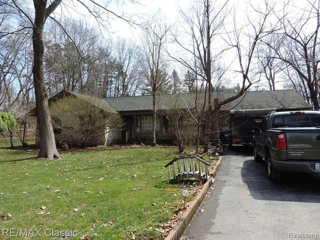510 Sleepy Hollow, Milford Twp, MI 48381 (#2210023210) :: Duneske Real Estate Advisors