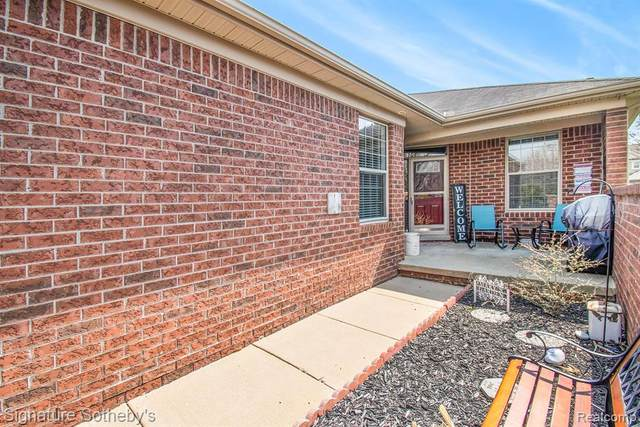 7603 Thomas #153, Shelby Twp, MI 48317 (#2210023358) :: The Alex Nugent Team   Real Estate One