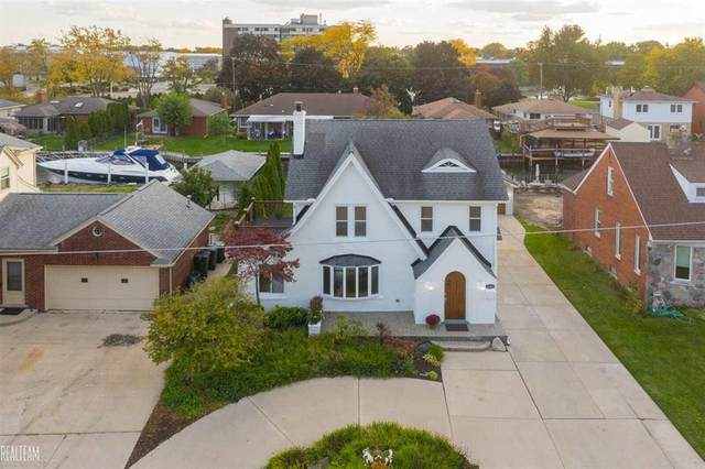 22460 Lange, Saint Clair Shores, MI 48080 (MLS #58050038318) :: The John Wentworth Group