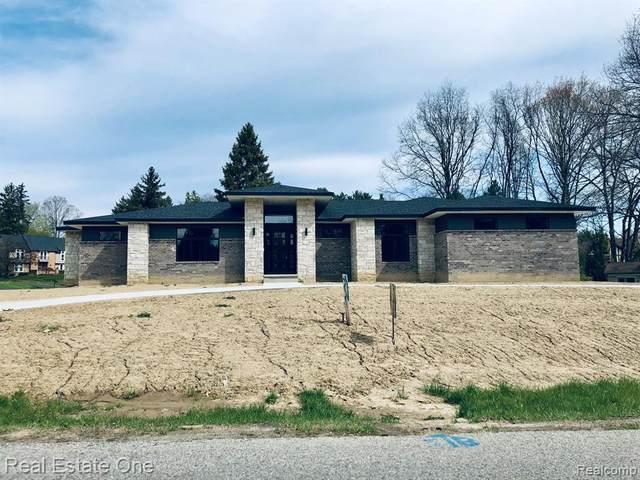 4316 Cherry Hill Drive E, Orchard Lake Village, MI 48323 (#2210023967) :: Real Estate For A CAUSE