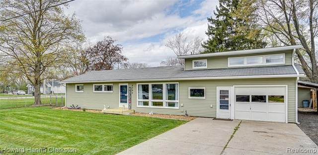 2395 Lincoln Manor Drive, Grand Blanc Twp, MI 48507 (#2210024150) :: The Alex Nugent Team | Real Estate One