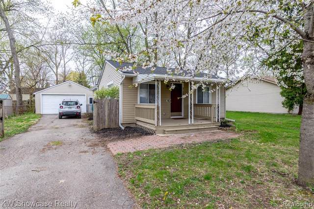 21607 Roosevelt Avenue, Farmington Hills, MI 48336 (#2210024960) :: Real Estate For A CAUSE