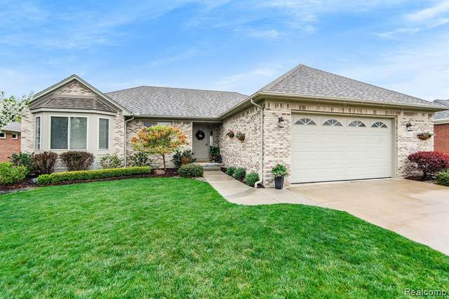 22686 Brantingham Road, Macomb Twp, MI 48044 (#2210025015) :: RE/MAX Nexus