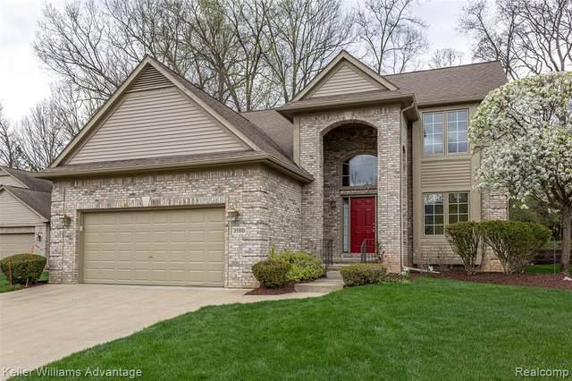 35661 N Cross Creek, Farmington Hills, MI 48331 (#2210025867) :: Novak & Associates