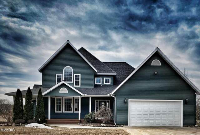 9821 Eleven Mile Road, Bear Lake Twp, MI 49614 (#67021012260) :: Novak & Associates