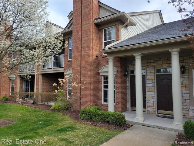 3562 Tremonte Circle #127, Oakland Twp, MI 48306 (#2210025918) :: The Alex Nugent Team | Real Estate One